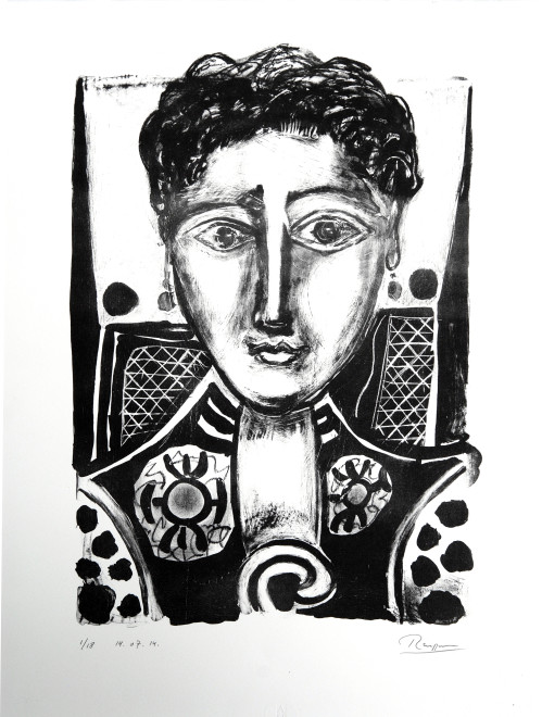 Size M | Woman with earrings