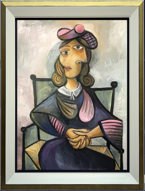 Size L   Seated woman in a pink baret