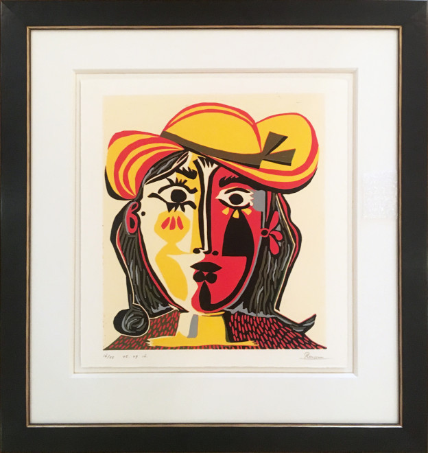 Size M | Woman in a red and yellow hat