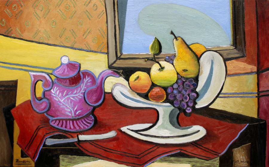 Pink teapot and fruit dish