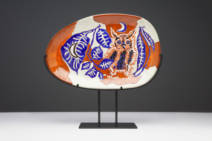 """<span class=""""artist""""><strong>Jean Lurçat</strong></span>, <span class=""""title""""><em>Plate - Oval - White & Red - Night Guard</em>, c. 1955</span>"""
