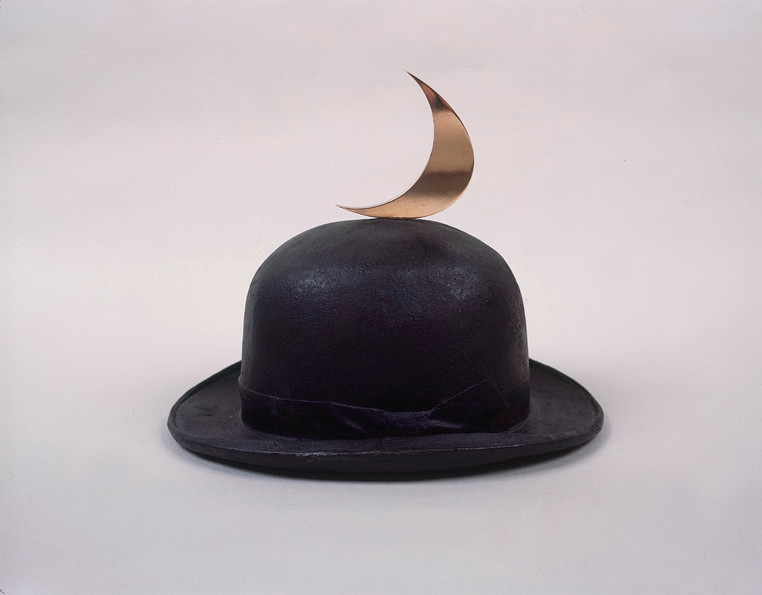 """<span class=""""artist""""><strong>Clive Barker</strong></span>, <span class=""""title""""><em>Magritte's Hat</em>, 2008</span>"""