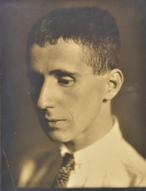 Li Osborne, Portrait of a young Bertolt Brecht, 1926