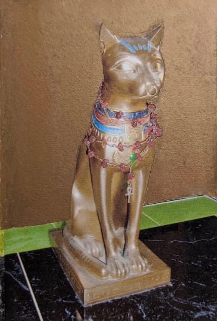 Linda Landers RE, Golden Cat