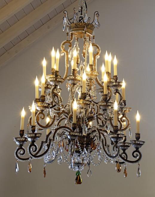 An Italian nineteenth century twenty-five light chandelier