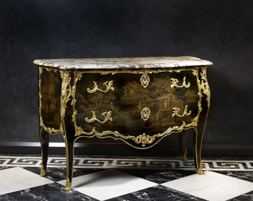A Louis XV bombé commode by François Rübestück