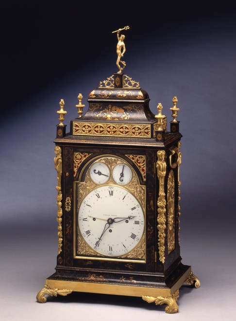 A Georgian quarter striking bracket clock by Eardley Norton