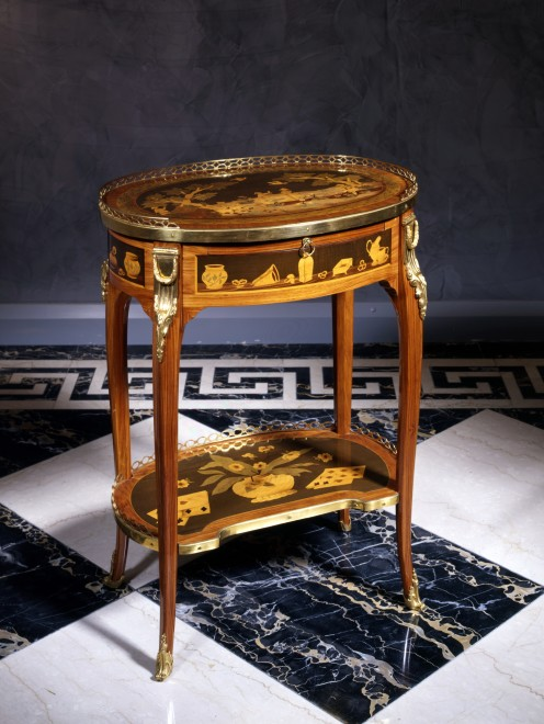 A Louis XVI table à écrire by Charles Topino