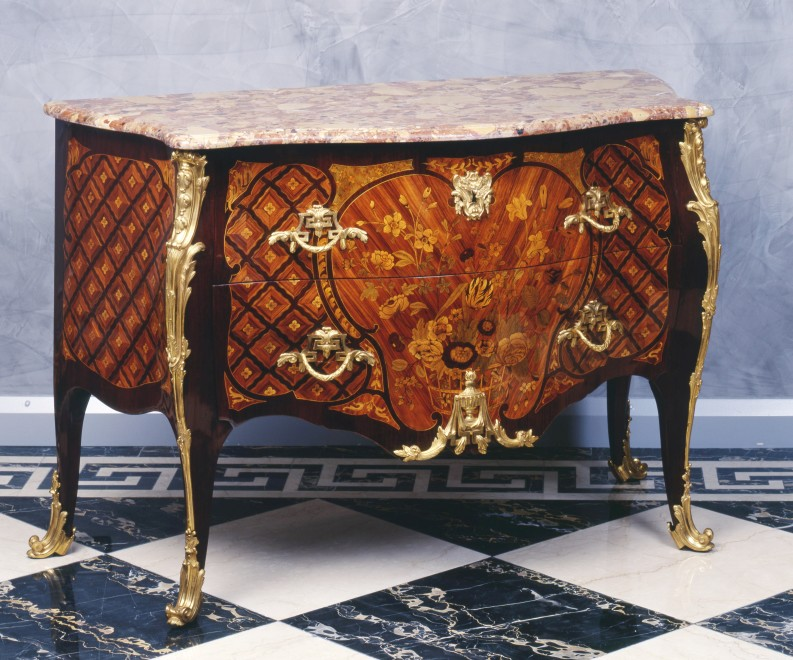 A Louis XV Transition Louis XVI commode by Charles-Michel Cochois and Léonard Boudin