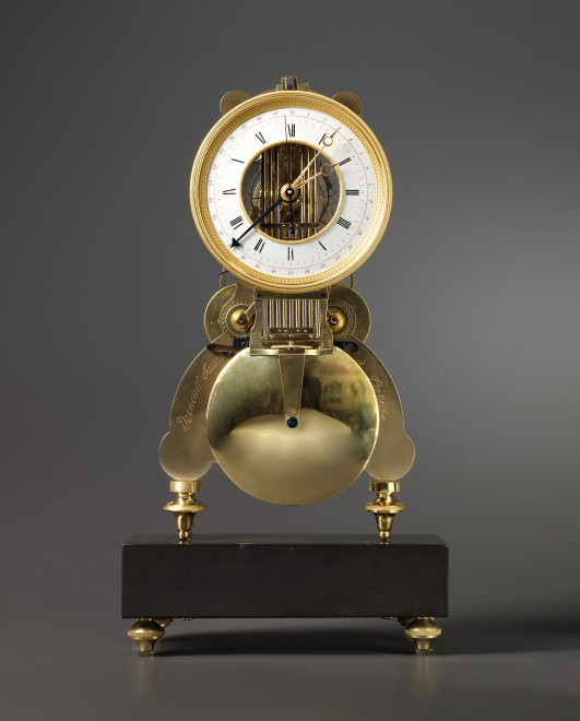 A Directoire / Empire clock, signed Verneuil Jeune à Paris