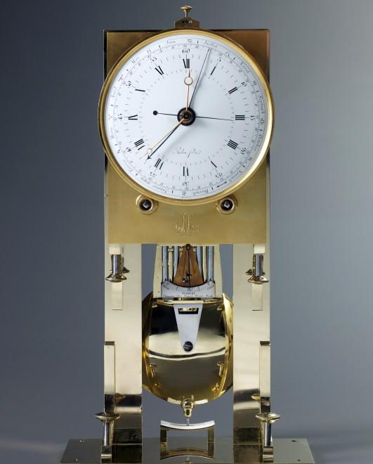 An Empire precision regulator by Robert Robin Fils