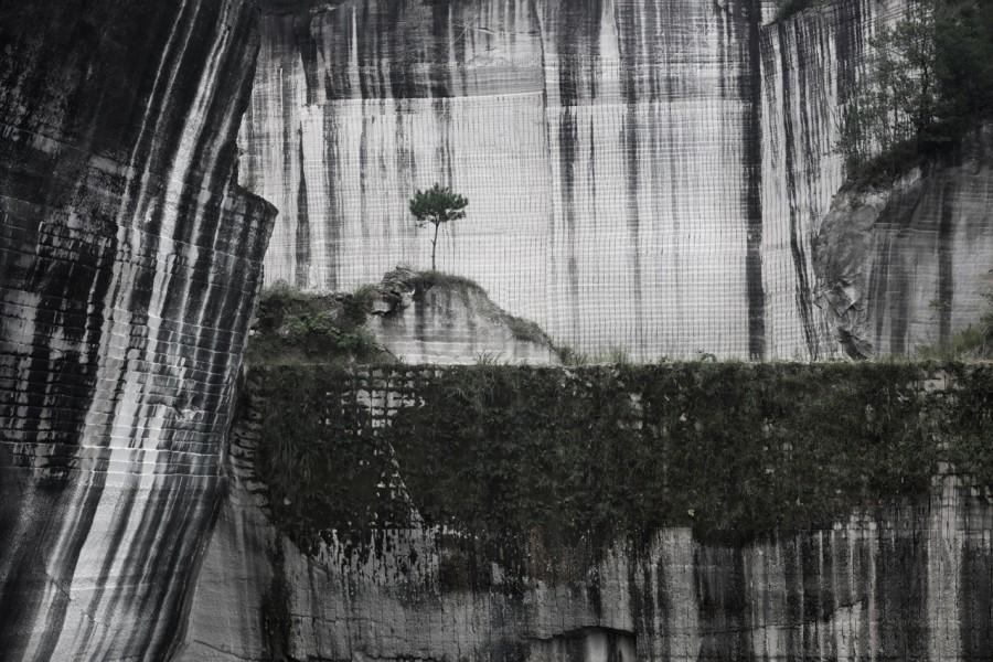 应朝旭《屋漏痕》  Ying Chaoxu The Traces of Water Seeping through the Leaky Wall  2015