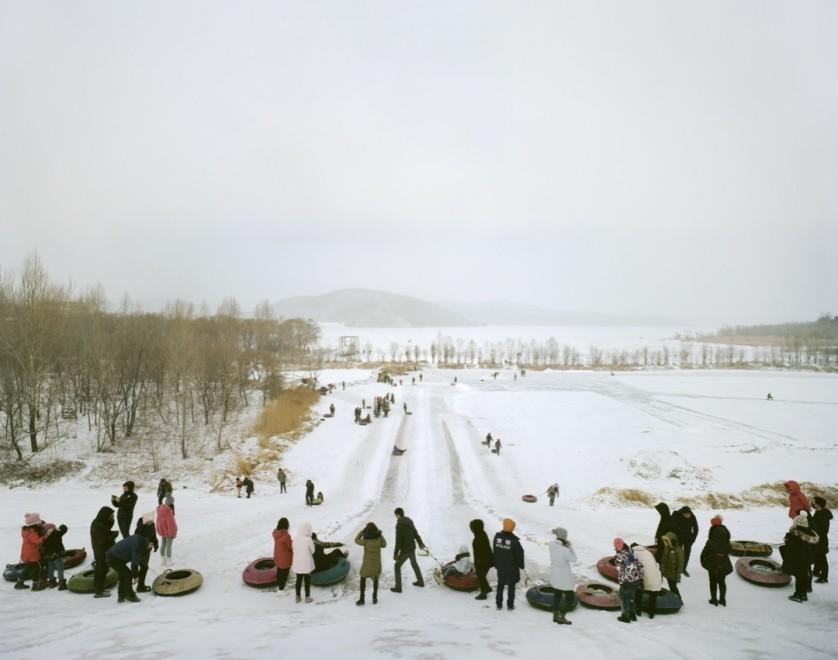《2017年2月黑龙江·七台河市·桃山水库·滑雪》,赵智,选自《雪国江湖》系列
