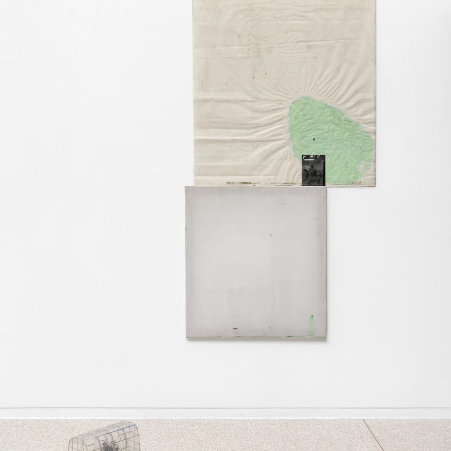 Installation View, Ian Kiaer, endnote (ping), Heidelberger Kunstverein, 2020. © Heidelberger Kunstverein / Günzel & Rademacher