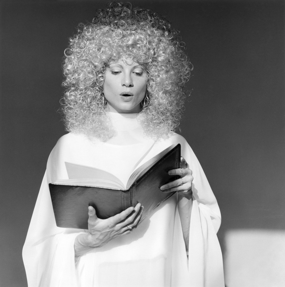 <div class=&#34;artist&#34;><strong>Robert Mapplethorpe</strong></div><div class=&#34;title_and_year&#34;><em>Lisa Lyon</em>, 1982</div><div class=&#34;medium&#34;>Silver gelatin print</div><div class=&#34;dimensions&#34;>50.8 x 40.6 cms / 20 x 16 ins<br/>(unframed)<br/>70 x 60 cms / 27 1/2 x 23 5/8 ins<br/>(framed) <br/>signed by Robert Mapplethorpe on the front</div><div class=&#34;edition_details&#34;>Edition 2/10</div>