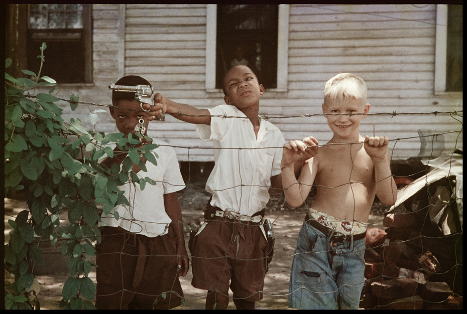 Gordon Parks  Untitled, Alabama, 1956  Archival Pigment Print  50.8 x 61 cm, 20 x 24 ins, paper size  59 x 77 cm, 23 1/4 x 30 1/4 ins, framed  Edition 1/7 + 2 APs  Printed in 2019