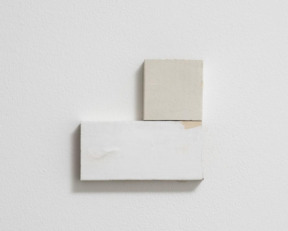 Fernanda Gomes, Untitled, 2017 Wood, paint. © Fernanda Gomes. Courtesy of Alison Jacques Gallery, London