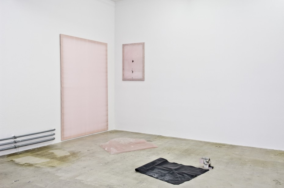 Ian Kiaer, Endless house project: Ulchiro endnote/ pink, 2008 Pink taffeta on canvas, acrylic and ink on taffeta, plastic and comics, Installation dimensions variable. © Ian Kiaer