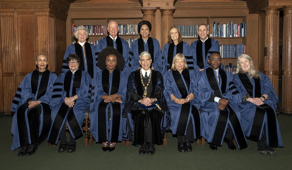 Seated, from left: Carmen de Lavallade, Sister Helen Prejean, Chimamanda Adichie, President Peter Salovey, Cynthia Moss, Strive Masiyiwa, and Mary Beard. Standing, from left: Sheila Hicks, James A. Baker III, Indra K. Nooyi, Gloria Steinem, and Lawrence S. Bacow. (Photo credit: Joy Bush)