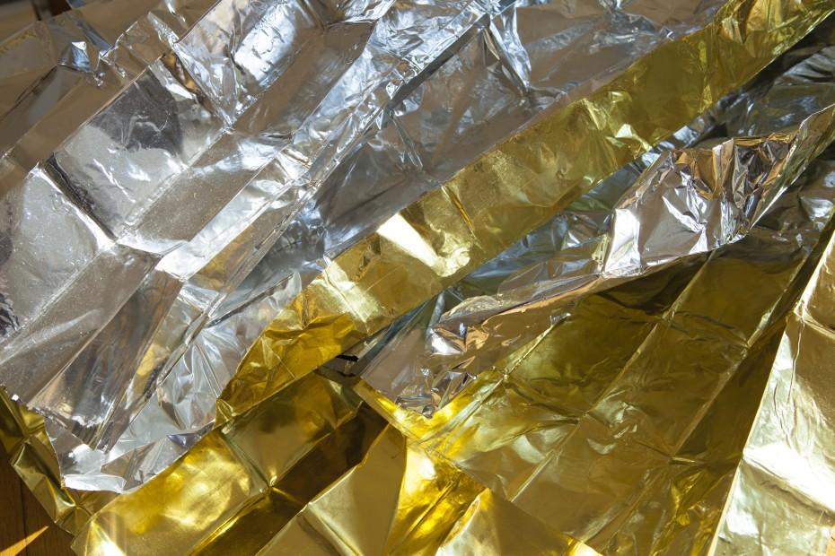 Sarah van Sonsbeeck, detail of 'Shelter, #4 - 7.4% gold', 2017, yellow gold leaf on aluminum