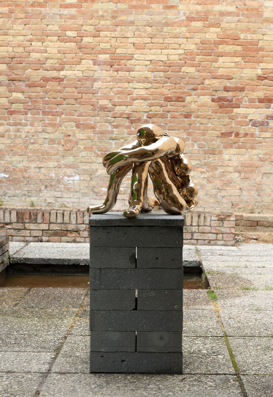 Realidad, 2013  stamped with engraved signature and editioned on base  cast bronze  44.0 x 43.0 x 57.0 cm 17 1/8 x 16 5/16 x 22 1/8 in.