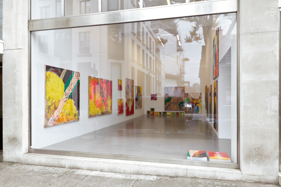 Installation view, Alvaro Barrington, GARVEY: SEX LOVE NUTURING FAMALAY, Sadie Coles HQ, 1 Davies Street, 7 Sept - 26 October 2019 Photo: Robert Glowacki
