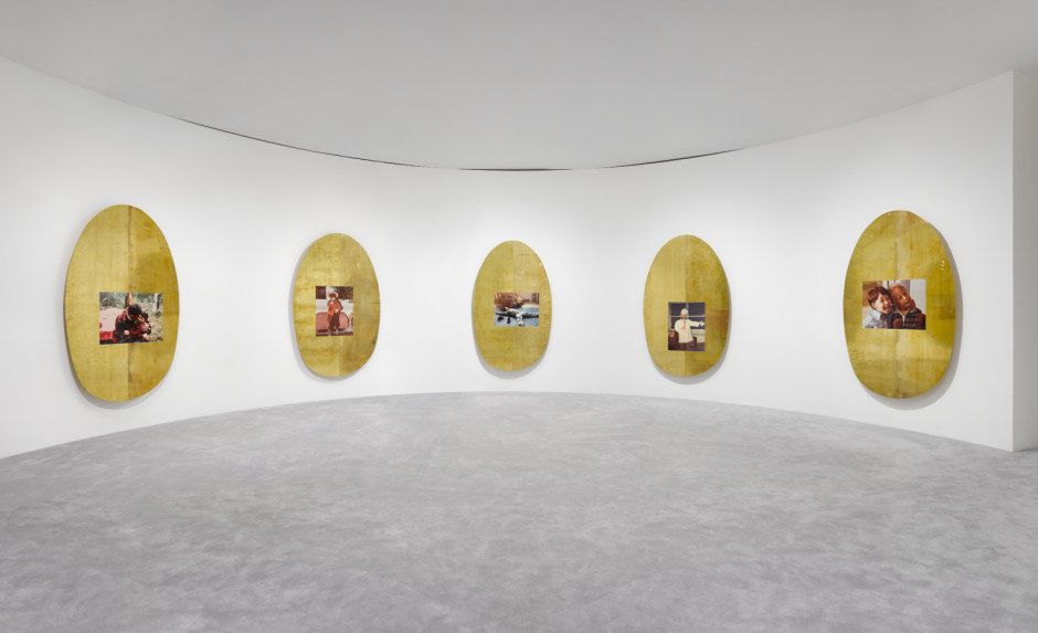 Installation view, Jordan Wolfson, ARTISTS FRIENDS RACISTS, 31 January – 29 February 2020, 62 Kingly Street W1  Photography: Jack Hems
