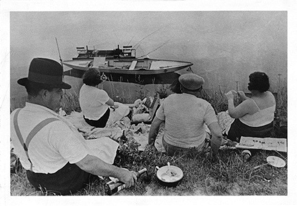 SUMMER HOLIDAYS THE GALLERY IS CLOSED from the 1st until the 31th of august 2019. HAPPY HOLIDAYS! Henri Cartier-Bresson, River Marne, 1938