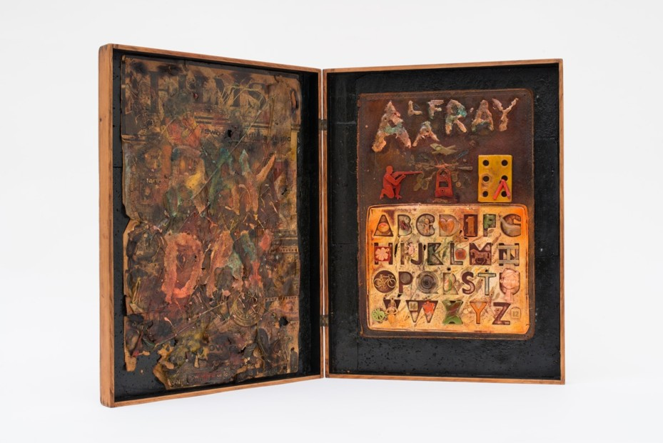 <span class=&#34;title&#34;>RAYDAY Diptych Box<span class=&#34;title_comma&#34;>, </span></span><span class=&#34;year&#34;>1968</span>