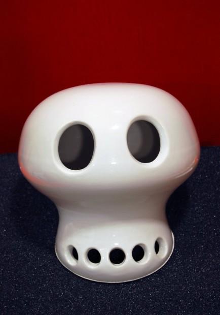 <em>Skull</em>, 2003
