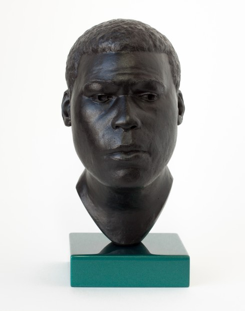 <p>Tom Price ,&#160;<i>Head 17</i>, 2014,&#160;bronze, Perspex,&#160;22 x 11 x 14 cm,&#160;edition of 3 plus 1 artist's proofs&#160;</p>