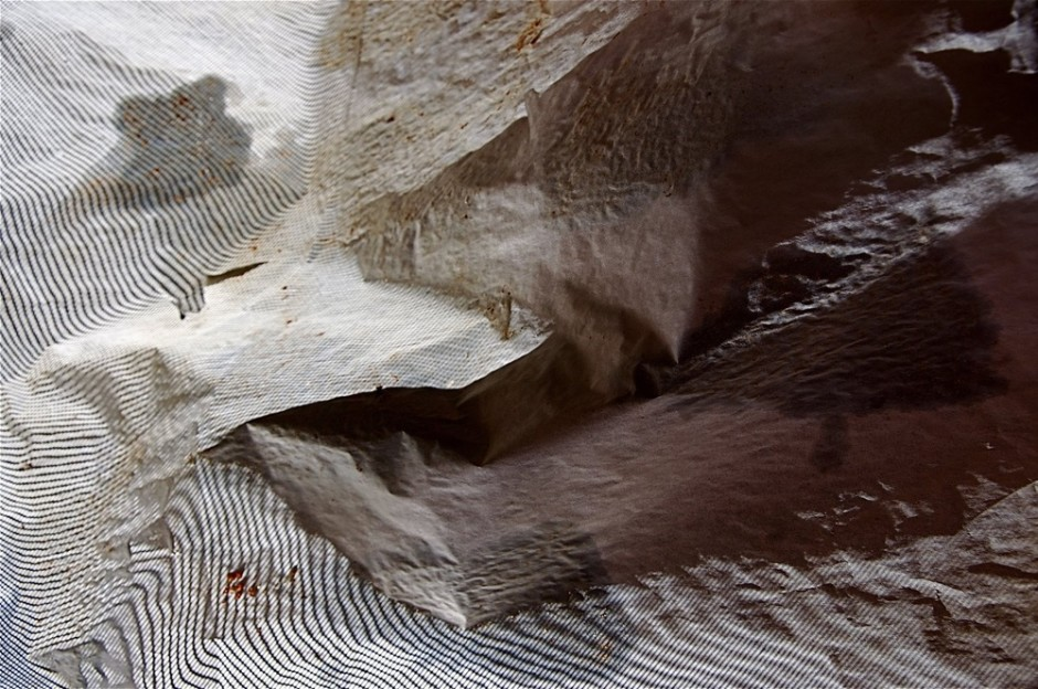 "<div class=""artist""><strong>Yossi Zur</strong></div> <div class=""title""><em>Untitled (Around the Corner)</em>, 2011</div> <div class=""medium"">C-Type print on kodak metallic paper</div> <div class=""dimensions"">61 x 91 cm<br />24 1/8 x 35 7/8 in</div>"