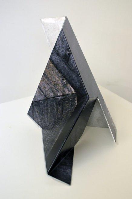 "<div class=""artist""><strong>Neil Ayling</strong></div> <div class=""title""><em>Iota</em>, 2013</div> <div class=""medium"">Printed vinyl on aluminium</div>"