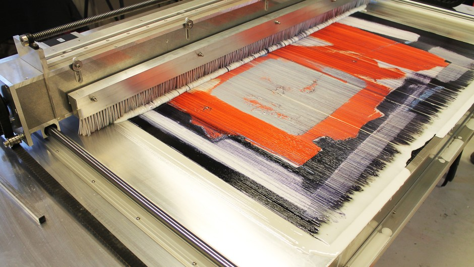 <p>Mark Selby</p><p>Untitling Machine (2014)</p><p>Metal, rubber, electronics, paint stripper, water, brushes</p><p>H 100 x W220 x D 120 cm</p>