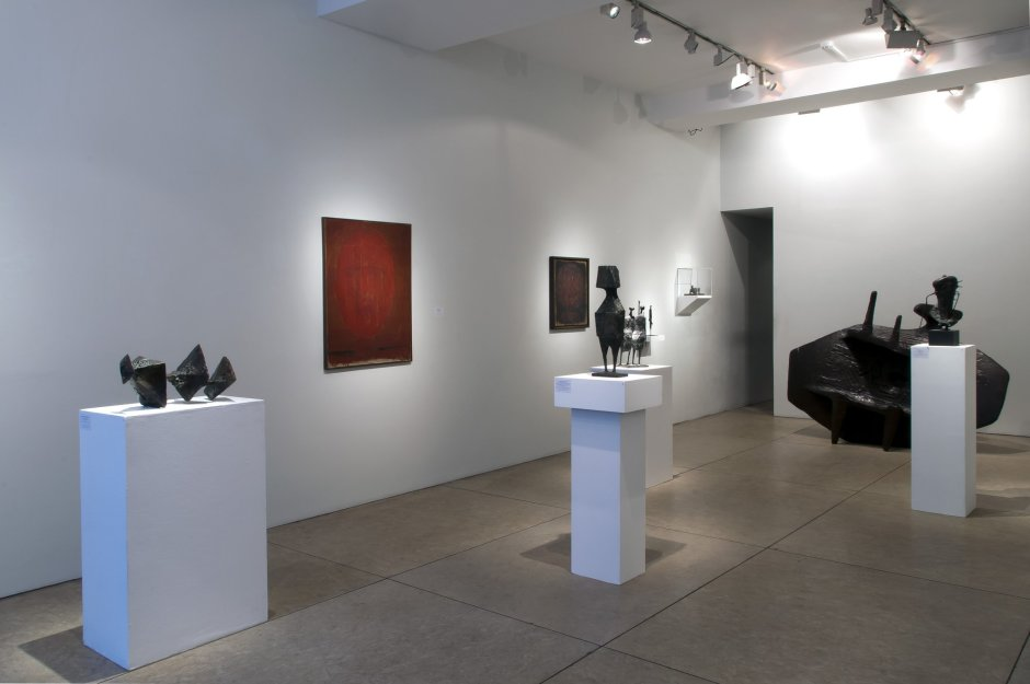 <p><strong>Installation view 2</strong></p>