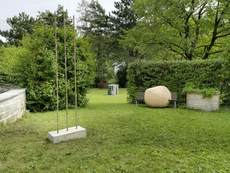 Sculpture Garden Installation view: Sofia Goscinski, Alicja Kwade & Marie Munk, 2019