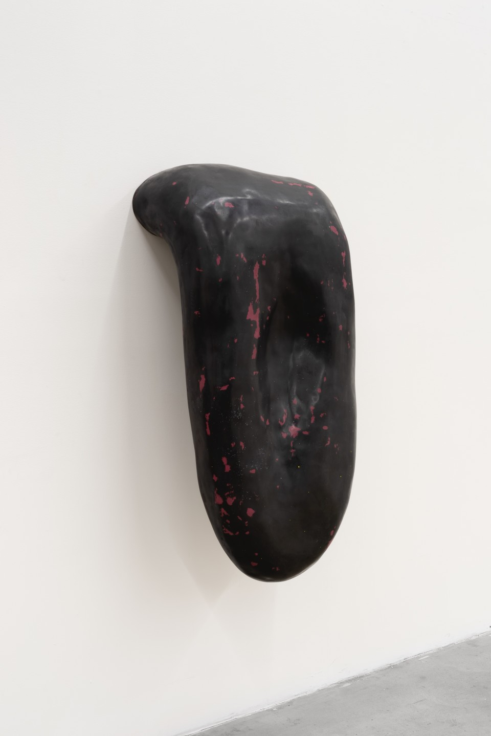Image: Loup Sarion  Nude (nightfall/inflamed plum), 2019  fiberglass, resin, pigment  24 x 45 x 18 inches (61 x 114.3 x 45.7 cm)