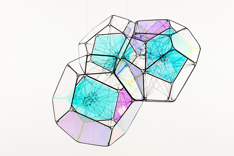 Tomás Saraceno PSR B0329+54 b/M+I, 2018 metal, polyester rope, fishing line, plexiglass iridescent, metal wire, steel thread three modules diameter 60 cm, iridescent cloud TS 452