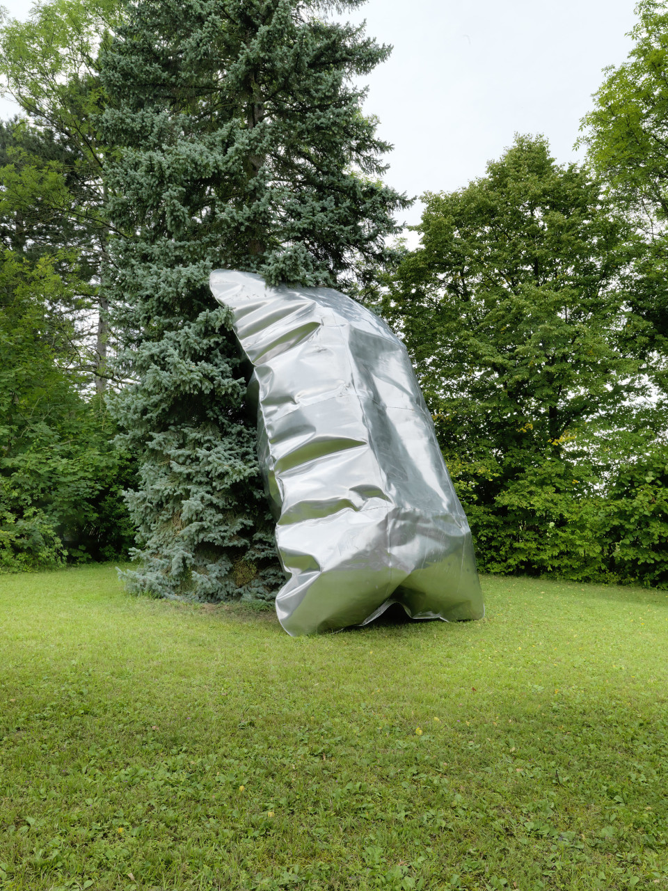 Hans Kupelwieser Gonflables, 2019 Aluminium inflated 550 x 300 x 240 cm 216 1/2 x 118 1/8 x 94 1/2 in