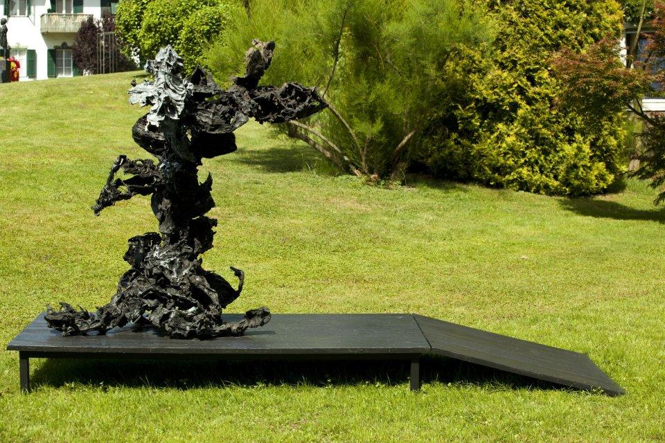 Karl Karner  313 Aus Samtkasten, 2013  bronze  150 x 130 x 146 cm 59 1/8 x 51 1/8 x 57 1/2 in