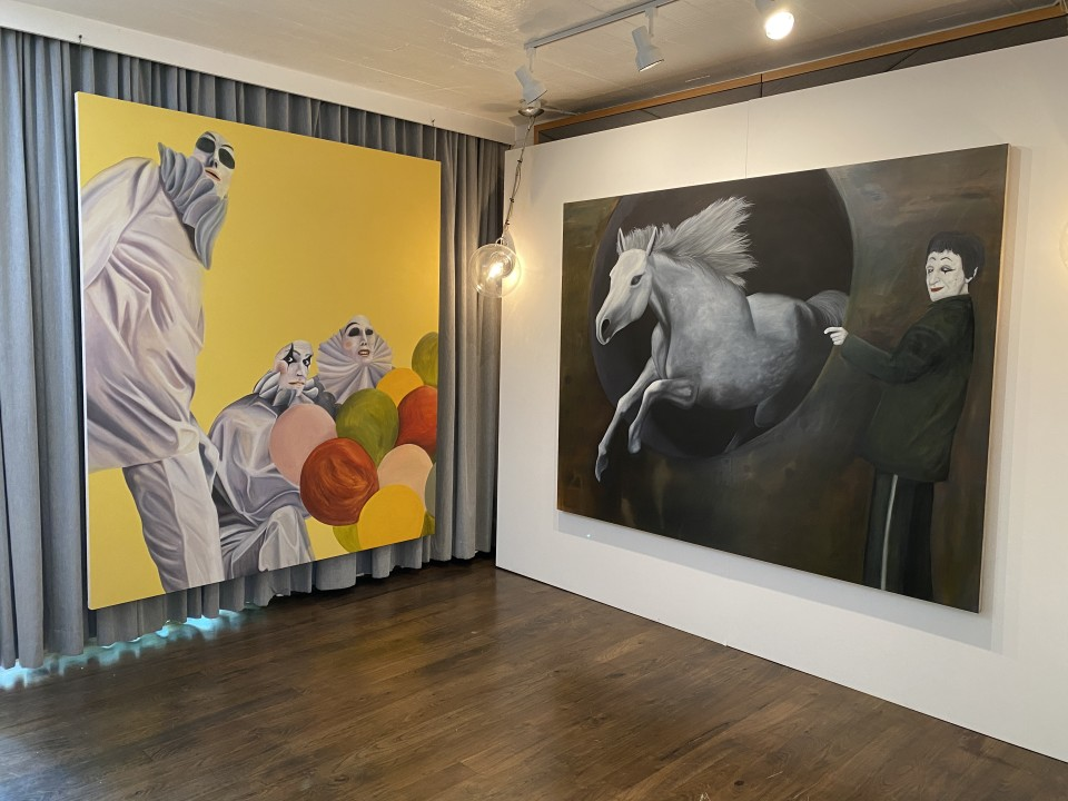 Image: Installation view of Cabana 123 at Felix Art Fair 2021 at The Roosevelt Hotel, July 29 - August 1, 2021