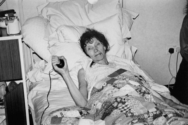 <div class=&#34;artist&#34;><strong>Jo SPENCE</strong></div> 1934 - 1992 <div class=&#34;title&#34;><em>The Final Project [Various 6]</em>, 1991 - 1992</div> <div class=&#34;signed_and_dated&#34;>Collaboration with Terry Dennett</div> <div class=&#34;medium&#34;>Set of 4 prints from 35mm black and white negatives</div> <div class=&#34;dimensions&#34;>19.5 x 29 cm</div> <div class=&#34;edition_details&#34;>Edition of 2 plus 1 Estate Copy</div>