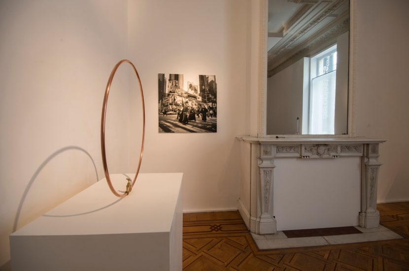 """""""Humble Me"""" Aeroplastics, 2015 Installation view with artworks by Tom DALE and Wouter DERUYTTER"""