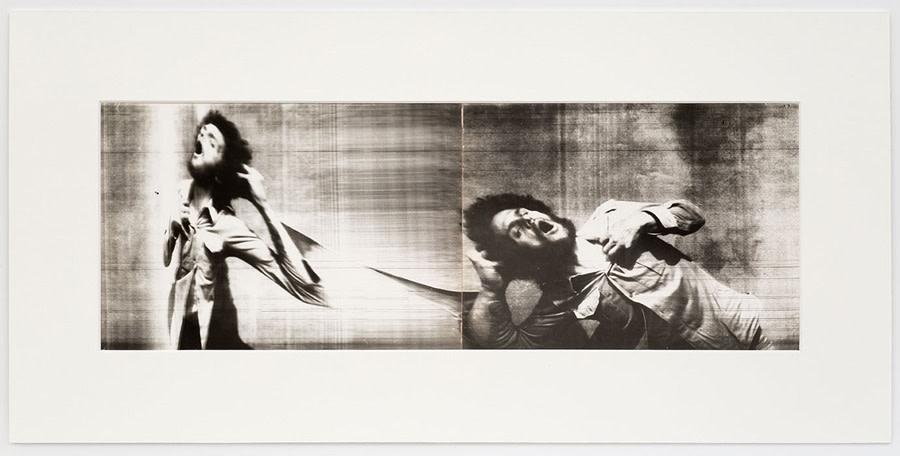 Paolo Gioli, Fotofinish / Urtato ripetutamente dai suoi colpi, 1975