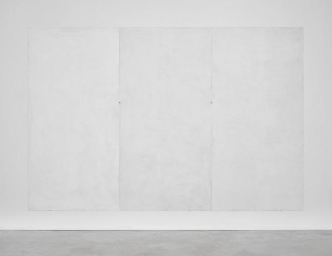 Emmanuelle Quertain, Mur blanc RAL ( + ................ ) en trois volets, 2018