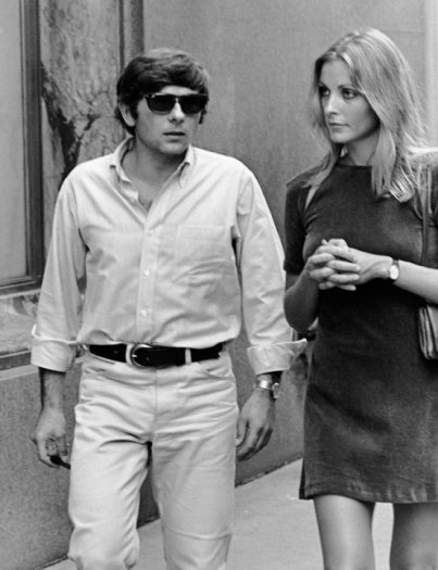 Roman Polanski and Sharon Tate walking on Fifth Avenue during the filming of Rosemary's Baby, new York, August 27