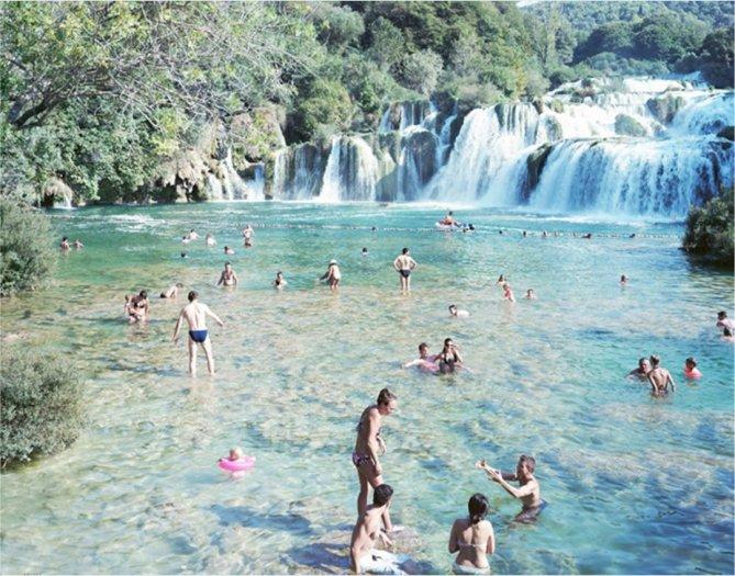 Massimo Vitali, Krka Waterfall, Croatia (#3946), 2010