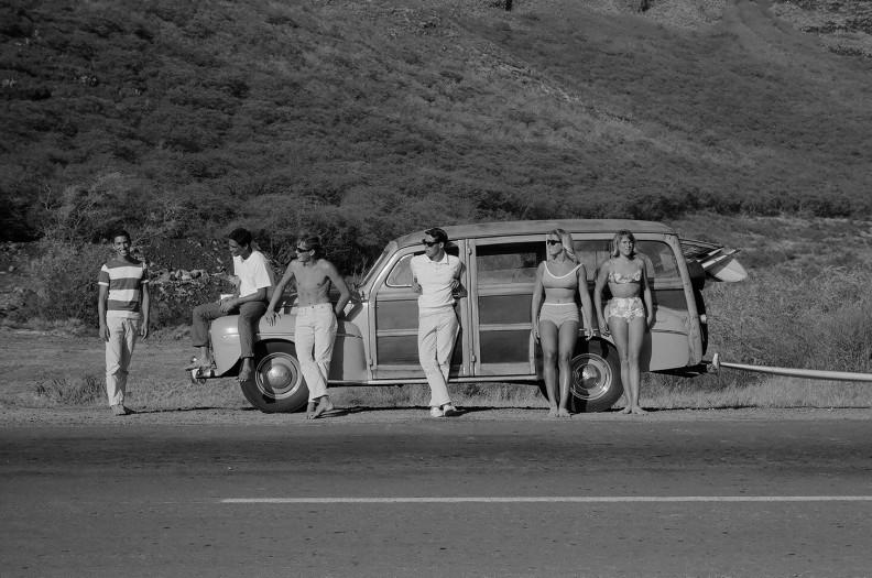 LeRoy Grannis, Makaha Hawaii (People By The Car), 1962