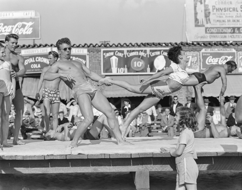 Bob Mizer, Untitled (Muscle Beach acrobats #WF21-A), Santa Monica Beach, California, c. 1946