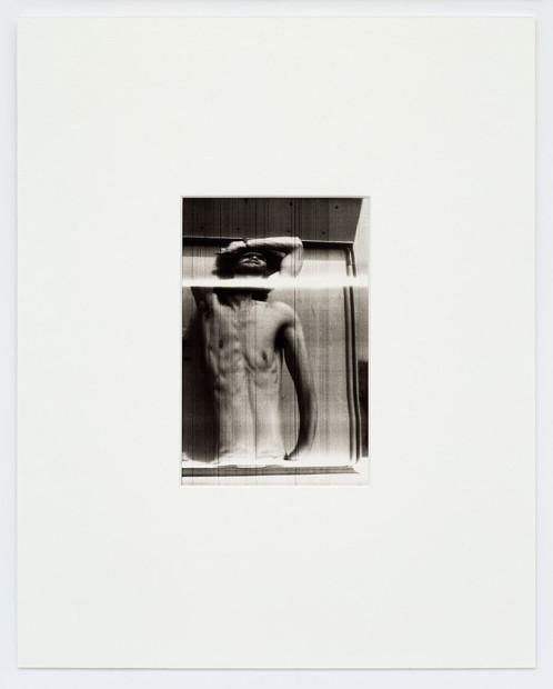 Fotofinish / Corpo che oscilla dal braccio (Sebastiano), 1974